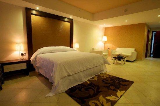 Best Western Plus Peninsula Hotel: Delux Room