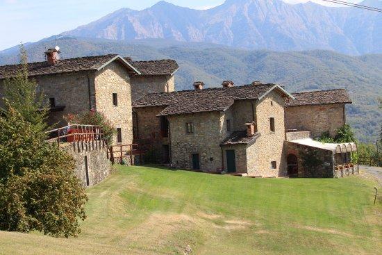 Azienda Agrituristica Costa d'Orsola : Oud dorp gerenoveerd tot vakantieverblijf.