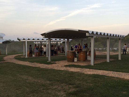 Middleburg, VA: Tasting Pavilions at Chrysalis Winery