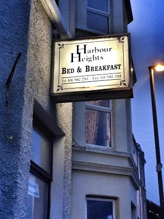 Harbour Heights Bed & Breakfast: Sign outside the B&B