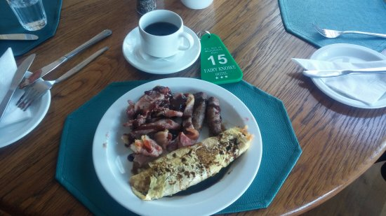 Wilderness, Sudáfrica: Breakfast buffet with a different style of omelette.