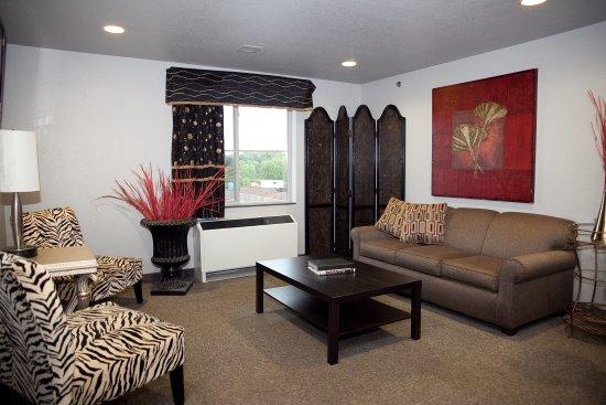Metropolis Resort : 2-Bedroom Suite