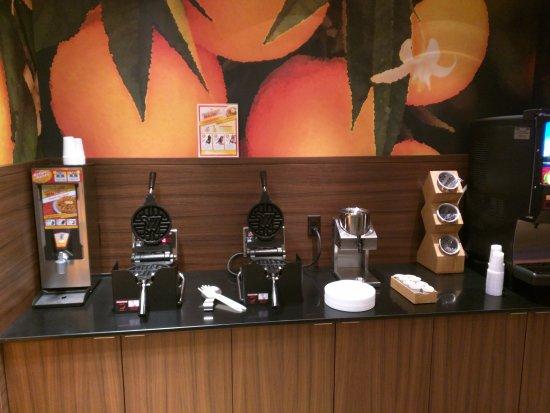"""Πλίμουθ, Νιού Χάμσαϊρ: The """"M"""" waffle maker section"""