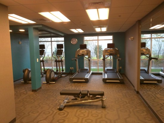 Plymouth, NH: Smart to put large windows in front of the workout machines