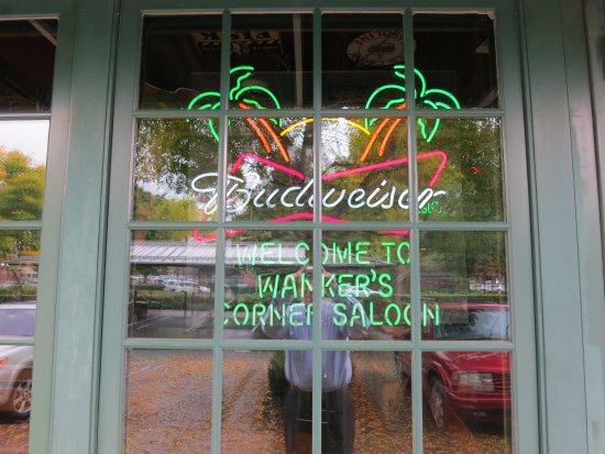 Wilsonville, OR: Front Window Display