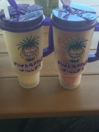 Pineapple Willy's: photo0.jpg