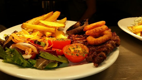Billingshurst, UK: Excellent steak and home cooked chips