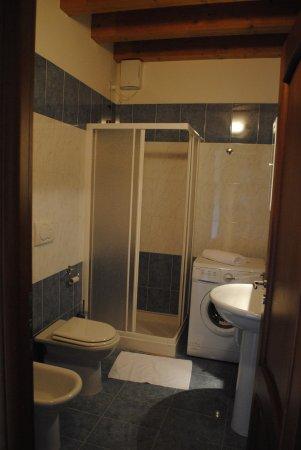 ألبرجيرا فينيتزيا: Ванная комната