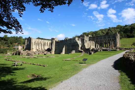 Helmsley, UK: Riverlaux Abbey