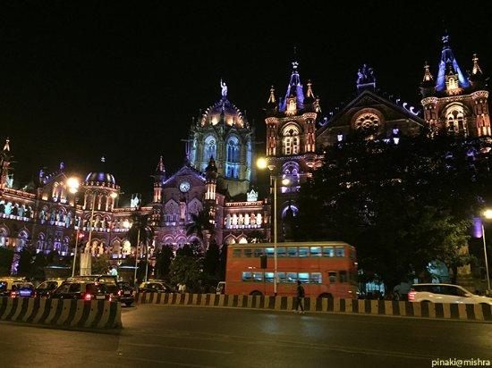 Chhatrapati Shivaji Terminus: Best bus near CST station