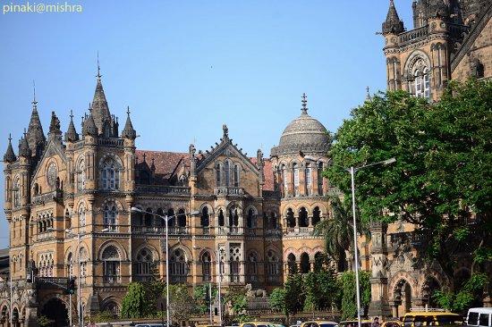 Chhatrapati Shivaji Terminus: Side of the station