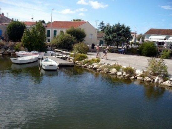Le Grand-Village-Plage, Frankrike: Port des Salines