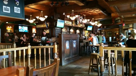 Picture of doolin 39 s irish pub vancouver for Bar food vancouver