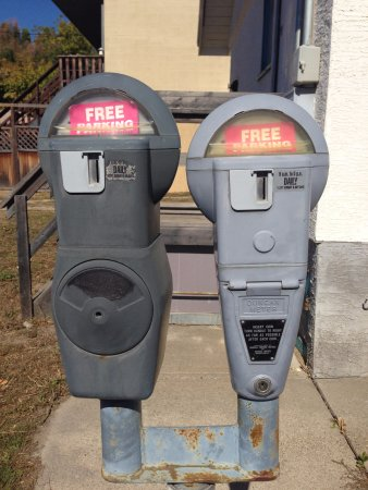 Creston, Canada: Not sure why they have meters but glad it was FREE lol