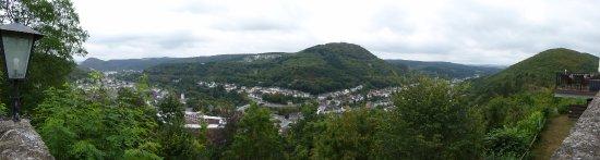 Kirn, Tyskland: Aussicht, inklusive 'hängender' Terrasse.