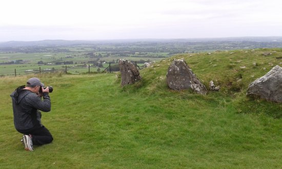 Kells, Irland: On the hill of Loughrew, one of the world's largest Neolithic cemetaries