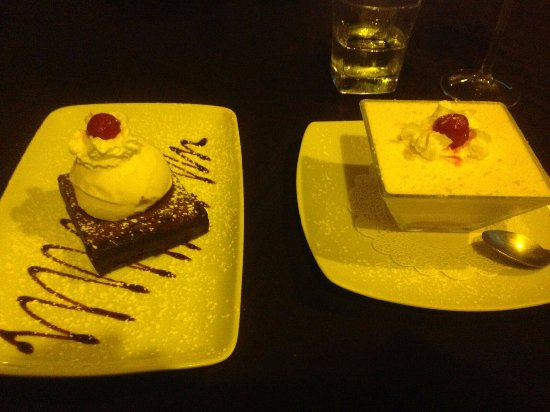 Casa Nostra Restaurant: Amazing brownie with the best ice cream and a fantastice lemon-cello tiramisu