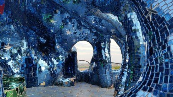 Tarot Garden : Amazing experience!