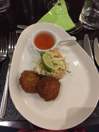 Chudleigh, UK: Thai crab cakes with chilli dip
