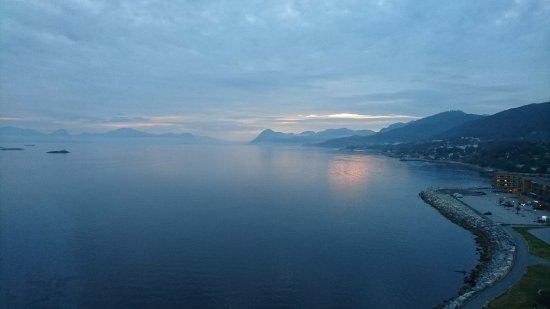 Molde, Norwegen: Sunset from room 1110