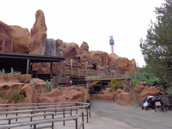 Buena Park, Kalifornien: Calico mine ride entrance.