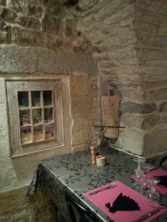 Lou clapas milhaud place de l 39 eveche restaurant avis num ro de t l phone photos - Milhaud cuisine ...