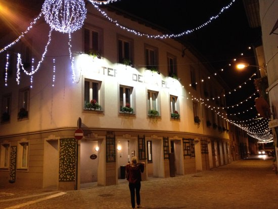 Casorate Sempione, Italia: The hotel at night, with lights set up for the Festa di San Tito