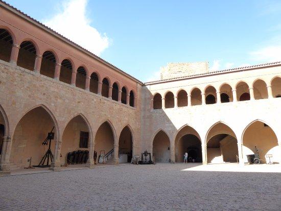 Mora de Rubielos, Hiszpania: Patio de armas