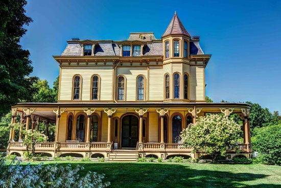 Park-McCullough House: The Park-McCullough Historic House is one of the finest and best-preserved Victorian mansions in