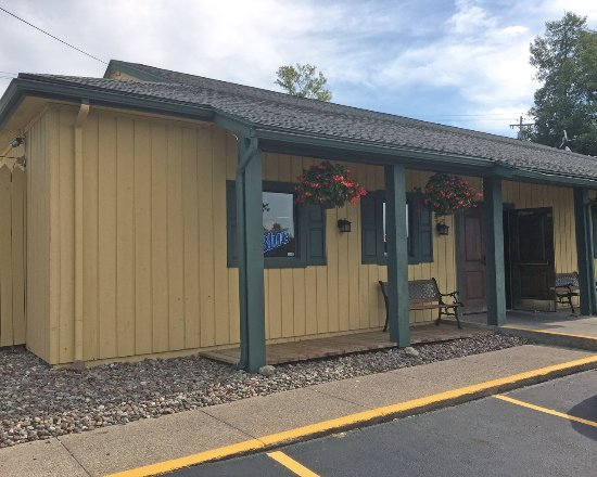 Victor, NY: Thirsty Turtle Entrance