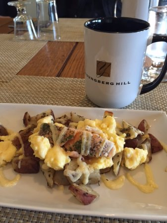 Youngberg Hill Vineyards & Inn: Salmon hash