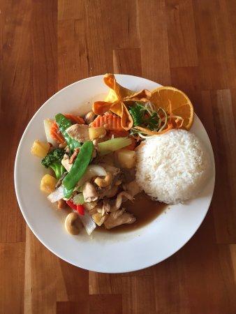 Kittery, ME: Cashew Chicken $8