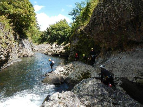 Canyoning Au Canyon De Fleur Jaune Integral Ile De La Reunion