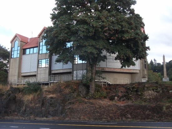 Oregon City, OR: view of museum from street below it