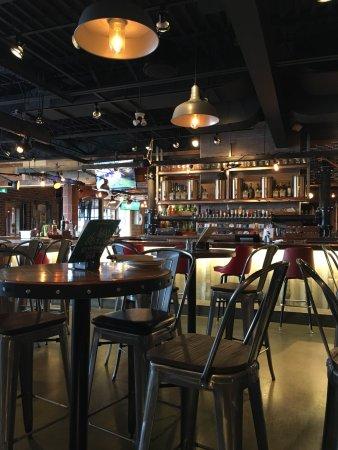 เบรนต์ฟอร์ด, แคนาดา: The Interior/Bar