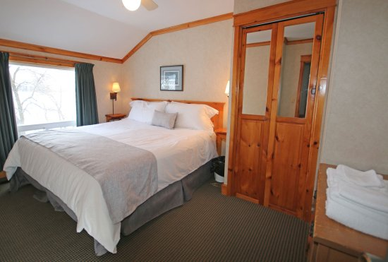 Keene, Kanada: Bedroom in a Deluxe Cottage
