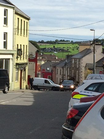 Killorglin, Irland: View outside restaurant
