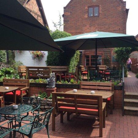 Much Wenlock, UK: Our beautiful courtyard