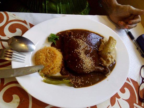 Lagos de Moreno, Μεξικό: Pollo en mole.