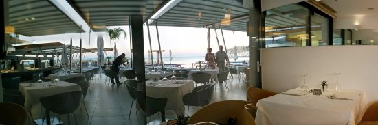 Alimounda Mare: the tables and view outside the cafteria