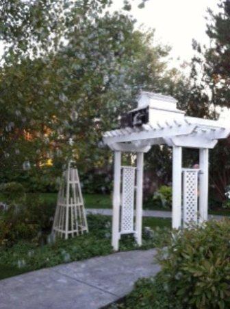 Billings, MT: DanWalt Gardens