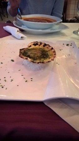 Okrug Gornji, Croacia: zupa pomidorowa i muszla św. Jakuba