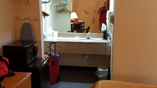 Days Inn Cookeville : 20160918_141009_large.jpg