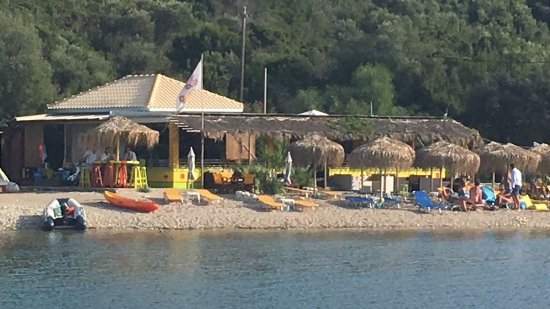 Meganisi, Grecja: Fanari Beach Jammin Reggae Bar - definitely worth a relaxing afternoon spent drinking cocktails.