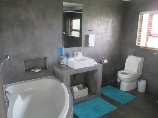 White Shark Guest House : Leopard's Lair bathroom