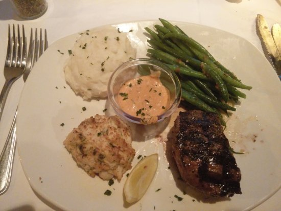 Pine Brook, Νιού Τζέρσεϊ: 6 oz sirloin and crab cake