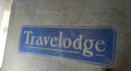 Travelodge Colorado Springs : Dirty rugs...