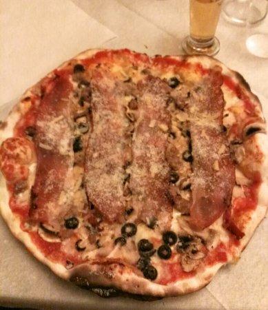 Arcevia, Italien: IMG_20160919_203339_edited_large.jpg