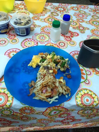 Great Smoky Mountains National Park, นอร์ทแคโรไลนา: Chris' homemade breakfast in the park!