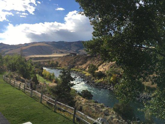 Yellowstone's Absaroka Lodge: photo0.jpg